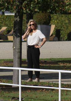 Helene Fischer: Atemholend durch den Park! | Promi-News und Promifotos – Promi-Magazin.de
