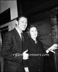 Image from http://www.riflemanconnors.com/press_photos/Chuck_and_Betty_Connors.jpg.