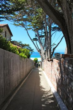 A Beach Day in Carmel-by-the-Sea: How to spend a relaxing day in California's European village with kids // Family Travel | Travel with Kids | California Road Trip