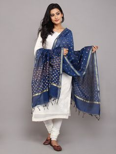 Churidar Designs, Kurti Neck Designs, Cute Travel Outfits, Trendy Outfits, Ethnic Fashion, Indian Fashion, New Saree Blouse Designs, Maxi Dresses, Fashion Dresses