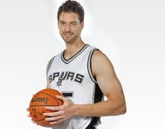 Pau Gasol Spurs.... Still unsure about how I feel about that but... He's still my main Spanish guy no matter what... 😁😘