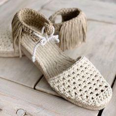 Crochet Boot Socks, Crochet Slipper Boots, Crochet Sandals, Knit Shoes, Crochet Slippers, Crochet Shoes Pattern, Shoe Pattern, Tongs Crochet, Crochet Flip Flops