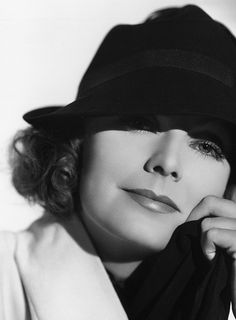 Greta GARBO (1905-1990) ***** #5 AFI Top 25 Actresses > Active 1920–41 > Born Greta Lovisa Gustafsson, 18 Sept 1905 Stockholm Sweden > Died 15 Apr 1990 (aged 84) New York > Spouse/children: none. Garbo lived alone as an adult, and left her enormous fortune to her niece.