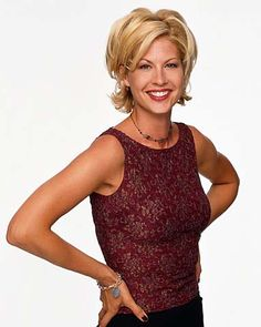 Short Haired Babe Of The Week Aug 20th : Jenna Elfman   Welcome Back,  Last week at this timeI was prepa...