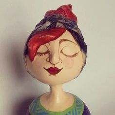 Figura en papel mache por Karina Sellanes