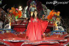 Rio, 2014 - Tânia Mara veio caracterizada como a cantora Maysa no desfile da Beija-Flor.  Foto: AGNews.