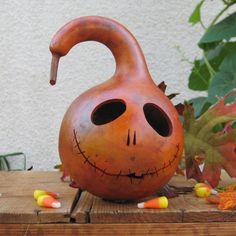 @Sarah Pinnix, just when you didnt think there were any more ideas for those Gourds.