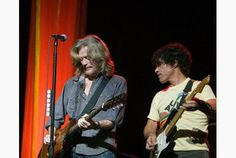 daryl  hall and john oates | Daryl Hall, left, with John Oates in 2006, hosts a Web show from his ...