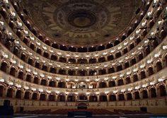 Teatro Ferrara (photo Lorenzo Gaudenzi)