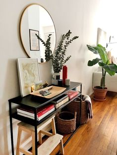 This tiny 275 square-foot studio in NYC is chock full of space saving solutions and storage ideas. Our favorite DIY in the space is is a wooden bar top that doubles counter space and adds Space Saving Furniture, Living Room Furniture, Living Room Decor, Furniture Ideas, Studio Furniture, Cheap Furniture, Living Room With Desk, Furniture Design, Furniture Online
