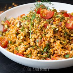 COOL & MINTY: KASZA BULGUR SMAŻONA Z POMIDORAMI, CUKINIĄ i CZOSNKIEM Veg Recipes, Recipies, Healthy Recipes, Fried Rice, Goodies, Lose Weight, Healthy Eating, Menu, Vegetarian