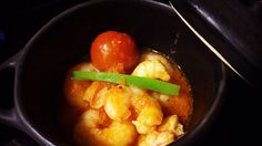 Gambas al ajillo con salsa de tomate. #gambas #gambasalajillo #prawn #shellfish #marisco #seafood #food #goodfood #cuisine #restaurant #dining #kitchen #marisco #seafood #meal #cuisine #gastronomy #shellfish #cheflife #chef #finedining #luxury #chefslife #cooking #gastronomie #koketo en koketo.es Chef Koketo #koketo ♫ Roisin Murphy