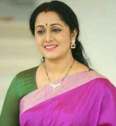 South Indian Actress Hot, Most Beautiful Indian Actress, Beautiful Asian Girls, Beautiful Actresses, Indian Beauty Saree, Indian Sarees, Aunty In Saree, India Beauty, Indian Actresses