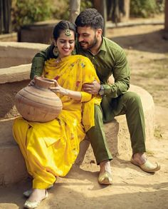 Wedding Poses, Wedding Couples, Indian Army Quotes, Indian Marriage, Ballet Moves, Punjabi Couple, Indian Village, Pet Dander, Wedding Sutra