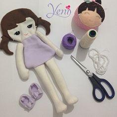 Sus ojitos son una dulzura! está muñequita vino a enamorar los corazones de las niñas que la lleven a su hogar  #ILoveyenidolls  #hechoamano #hechoconamor #hechoenchile #hechoenvenezuela #chile #venezuela #plush #doll #ballerina #bailarina #fieltro #polar #handycraft #candybar #muñecos #monitos #byyeni #yenidolls #hechoenchile #chile #doll #artesana #dollmaker #handmadedoll #zapatos #venezolanosenchile  #thepatternhub