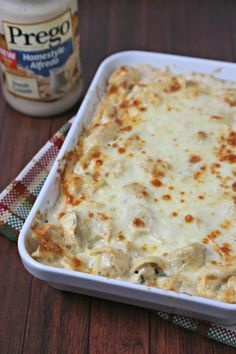 This Easy No-Boil Baked Tortellini comes together in a flash. Tortellini is tossed with a cheesy alfredo sauce, layered with cheese & baked to pefection Baked Cheese Tortellini, Baked Tortellini Recipes, Tortellini Alfredo, Tortellini Bake, Chicken Tortellini, Pasta Recipes, Shrimp Recipes, Italian Recipes, Beef Recipes