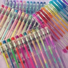 Gel pens! Oh middle school memories and daydream scribbles and doodles:)