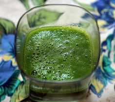 The Amazing Parsley: Health Benefits and 3 Green Smoothie Recipes with Parsley Smoothie Vert, Juice Smoothie, Smoothie Drinks, Ginger Smoothie, Detox Drinks, Fenugreek Tea, Fenugreek Benefits, Healthy Green Smoothies, Green Smoothie Recipes