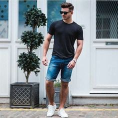 35 cool and trendy spring outfit for men with short pant mens fashion fashi Look Street Style, Men With Street Style, Street Styles, Summer Outfits Men, Short Outfits, Summer Men, Spring Outfits, Summer Ideas, Style Summer