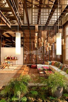 Las 12 oficinas mas chulas del mundo - Arquitectura Ideal - Urban Outfitters 2 Offices kitchen and Break Rooms Commercial Design, Commercial Interiors, Interior Exterior, Interior Architecture, Interior Garden, Lobby Interior, Kitchen Interior, Urban Outfitters, Turbulence Deco