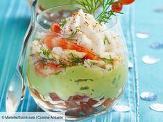 Recette Verrine avocat crevettes St Moret. Ingrédients (4 personnes) : 12 crevettes roses décortiquées, 2 avocats bien mûrs, 2 tomates... - Découvrez toutes nos idées de repas et recettes sur Cuisine Actuelle