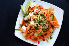 Noodleless no-cook Pad Thai salad - great for a quick meal on those hot summer nights!