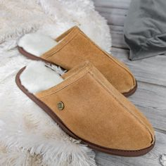 Introducing our brand new slip-on sheepskin slippers in tan suede. Lined with super soft fluffy sheepskin, this is one pair of slippers you'll never want to take off! Also available in navy and black. Leather Luggage, Leather Purses, Bar Fancy, Wool Shoes, Sheepskin Slippers, Diy Handbag, Unique Purses, Vintage Purses, Classic Man