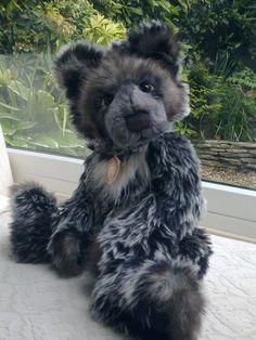 Charlie Bears - Oakley -   Now retired!