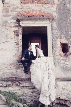 #bridal #wedding #inspiration #train #dress #window #love #couple