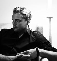 DiCaprio. Dramatic portrait by reversing the traditional light and shadow roles