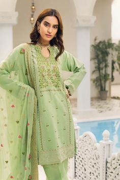 fba8e4a1ad 157 Best Gul ahmed images in 2019 | Festive, Stylish clothes, Casual ...