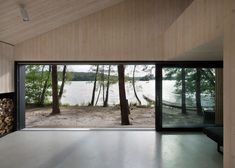 Dom pri jazere od českých FAM architektov