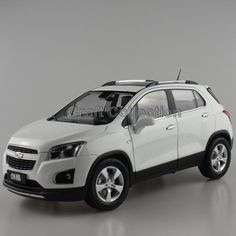 66.80$  Watch here - http://alia2s.worldwells.pw/go.php?t=32458909120 - White 1/18 GM Chevrolet Trax Cross SUV 2015 Hatch Back Diecast Model Car Small-displacement Vehicles Low Emission AutoMobile