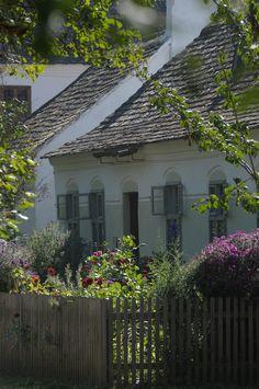 Dorfzeile - village images at Museumsdorf Niedersulz Garage Doors, Outdoor Decor, Image, Home Decor, Culture, Destinations, Traveling, Art, Interior Design