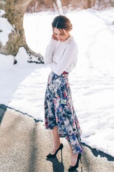 Pretty Valentine's Day Outfit Idea:  I love the chunky sweater paired with the girly full skirt and simple black heels.  Super easy outfit to create with whatever is in already in your closet!  #holiday #fashion #style
