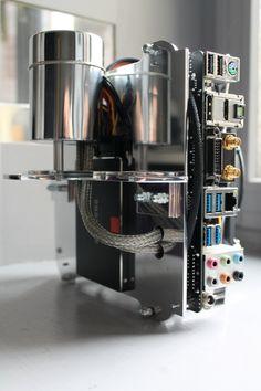 Ordilette Motobecane, PC d'Art fait main ! Makes me think of an espresso machine.