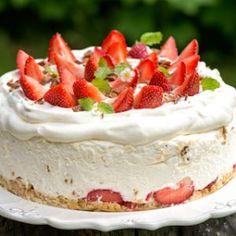 Strawberry Cheesecake, Piece Of Cakes, Dessert Recipes, Desserts, Let Them Eat Cake, Yummy Cakes, Vanilla Cake, Sweet Tooth, Tart