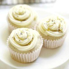 20 Moist And Fluffy Cupcakes Recipes - Karen Monica Maple Bacon Cupcakes, Easy Vanilla Cupcakes, Fluffy Cupcakes, Moist Cupcakes, Baking Cupcakes, Yummy Cupcakes, Cupcake Cakes, Cup Cakes, Moist Cupcake Recipes