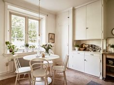 A Swedish apartment in notes of white, cream and beige! COSY KITCHEN