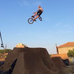 @jbalmabmx getting down at the #losttrails!  @4130andre  #bmx #flybikes #bike #bicycle #style #dirt