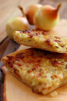 Onion tart from the tin - Maria, I like Zwiebelkuchen vom Blech — Maria, es schmeckt mir! Onion tart from the tin – Maria, I like it! Easy Smoothie Recipes, Easy Smoothies, Good Healthy Recipes, Healthy Snacks, Pizza Recipes, Snack Recipes, Keto Donuts, Onion Tart, Coconut Recipes