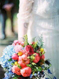 Michael Ferire - Un mariage champêtre en bleu corail et jaune - Belgique - La mariee aux pieds nus