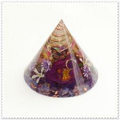 バオバブの木 の画像|オルゴナイト ドロップ Resin Crafts, Diy Crafts, Lps Toys, Uv Resin, Crystal Cluster, Crystal Healing, Natural Stones, Iridescent, Creations