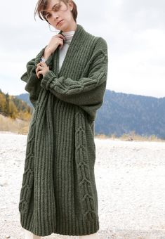 Lana Grossa COAT Landlust Merino 120/Landlust Merino 180 - FILATI CLASSICI No. 17 - Knitting instructions (EN) - Design 1 | FILATI Online Shop