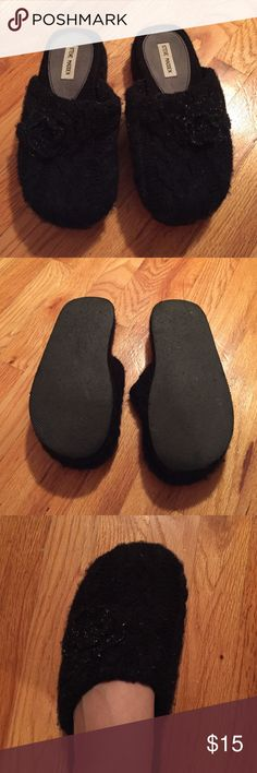 Steve Madden Platform Slip-ons Steve Madden Platform Slip ons. Size 9. Very comfortable and stylish shoes!! Steve Madden Shoes Platforms