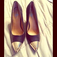 Navy&Gold Pumps Like new, navy & metallic gold pumps. Size 8 true to size heels. Smoke free pet free home. Steve harvey Shoes Heels