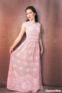 """Здравствуйте, дорогие рукодельницы!!!Мне, как и многим очень понравилрсь платье """" Нежная Роза"""", связанное Дарьей!!! Долго собиралась силами, мыслями и еще не знаю чем, но оно сидит во мне и мучает, …"""