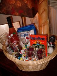 "Making ""themed"" gift baskets (for birthdays, holidays) - some great ideas here"