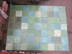 100 jaar oude Franse tegels groen nuancé  Jan van IJken Oude Bouwmaterialen BV