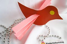Bunter Vogel aus Papier selber basteln Recycled Crafts, Easy Crafts, Origami, Triangle, Recycling, Xmas, Diy, Inspiration, Handbuch